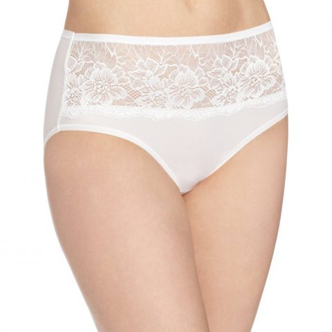 Body: 79% Nylon/21% Spandex; Crotch Lining: 100% Cotton; Lace: 87% Nylon/13% Spandex Imported Hand Wash Beautiful lace graces front of panty Ultra sleek fabric