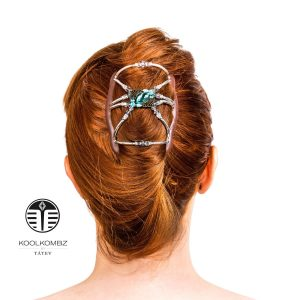 """This 3""""x4"""" hair accessory holds most hair types and lengths: long"""