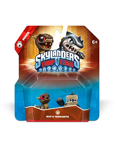 New with distressed/damaged packaging. 2 Mini Toys 2 Trading Cards 2 QR Codes and Stickers This Skylanders Trap Team figure requires the Traptanium Portal (included in the Trap Team Starter Pack) to be used in-game. - 1