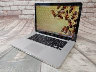 """Item Specifics: MPN : MC371LL/AUPC : N/ABrand : AppleProduct Family : Macbook ProRelease Year : 2010Screen Size : 15""""inchProcessor Type : Intel Core i5Processor Speed : 2.4GHzMemory : 4GB 1067MHz DDR3Type : LaptopOperating System : 10.13.6 High SierraColor : SilverStorage : 256GB SSD - 1"""