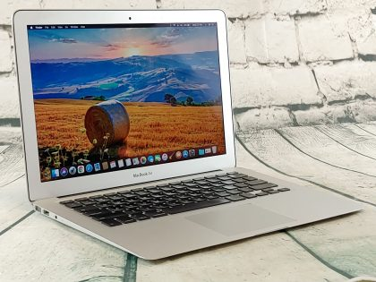 Item Specifics: MPN : MD226LL/AUPC : N/ABrand : AppleProduct Family : Macbook AirRelease Year : Mid 2011Screen Size : 13 inProcessor Type : Intel Core i7Processor Speed : 1.8 GhzMemory : 4 GBStorage : 256 GBOperating System : Mac OS 10.13