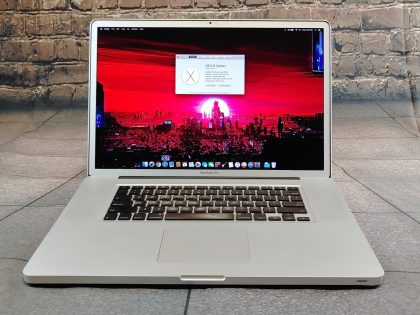 Item Specifics: MPN : MB604LL/AUPC : 885909241613Brand : AppleProduct Family : Macbook ProRelease Year : Early 2009Screen Size : 17 inProcessor Type : Intel Core 2 DuoProcessor Speed : 2.66 GhzMemory : 4 GBStorage : 128 GBOperating System : Mac OS X 10.11